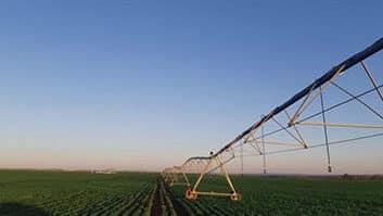 CNA e especialistas debatem tributação no agro.