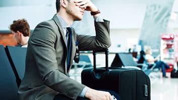 Cia aérea deve indenizar passageiro que faria concurso mas teve passagem cancelada.