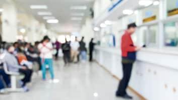 Banco deve indenizar cliente por espera excessiva em fila.