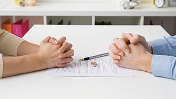 O que é postado nas redes sociais pode ser usado contra você no divórcio.