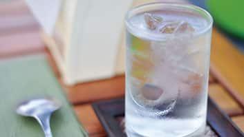 Restaurantes e bares poderão ser obrigados a fornecer água gratuitamente aos clientes.