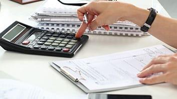 Declaração conjunta de IR não torna cônjuge corresponsável por dívida tributária de esposa.