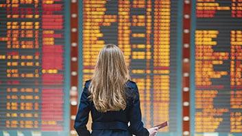 Passageira desassistida após voo cancelado durante pandemia será indenizada.