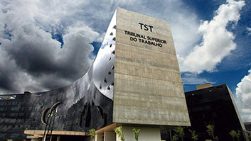 Prazos processuais estão suspensos no TST entre 2 e 31 de julho.